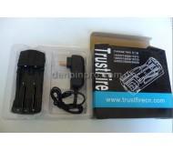 Sạc pin TrustFire TR-007 đa năng